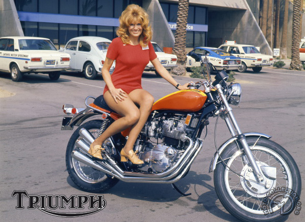 Triumph A 75 Hurricane  motocyclette motorrad motorcycle vintage classic classique scooter roller moto scooter