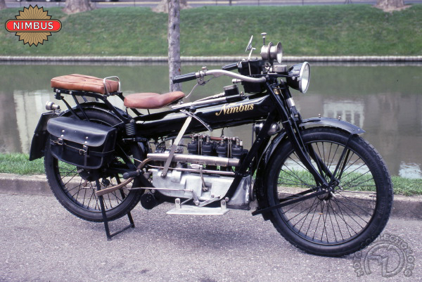 Nimbus Tuyau de poële motocyclette motorrad motorcycle vintage classic classique scooter roller moto scooter