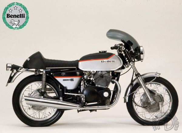 Benelli Nuova Tornado S 2 motocyclette motorrad motorcycle vintage classic classique scooter roller moto scooter