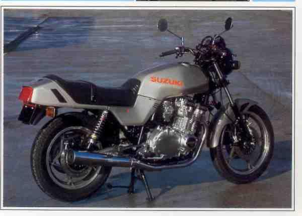Suzuki GSX E motocyclette motorrad motorcycle vintage classic classique scooter roller moto scooter