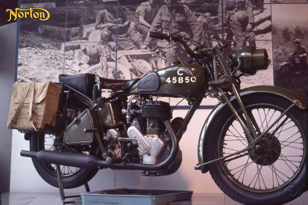 Norton 16 H Armée motocyclette motorrad motorcycle vintage classic classique scooter roller moto scooter