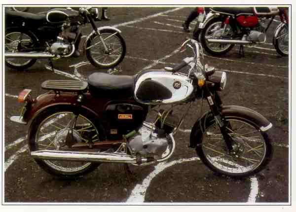 Bridgestone EA 1 motocyclette motorrad motorcycle vintage classic classique scooter roller moto scooter