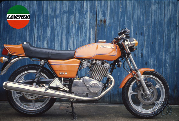 Laverda Twin motocyclette motorrad motorcycle vintage classic classique scooter roller moto scooter