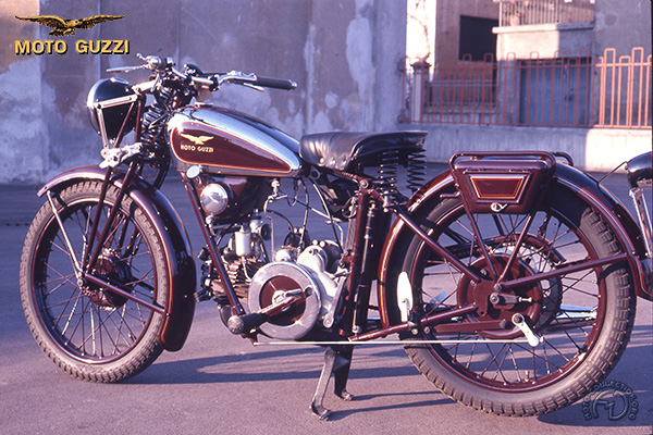 Moto Guzzi P 238 (P175 - P250) motocyclette motorrad motorcycle vintage classic classique scooter roller moto scooter