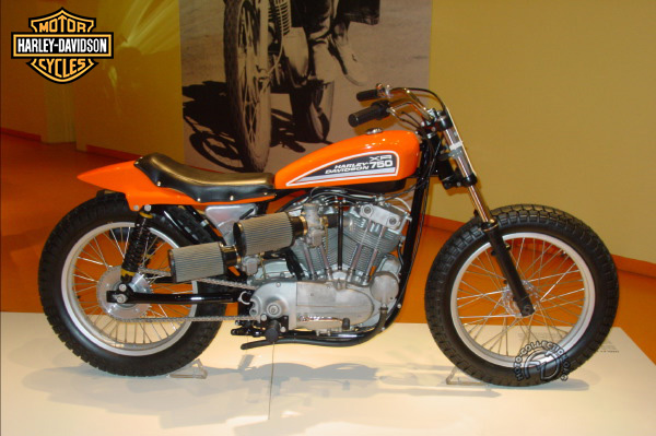 Harley Davidson XR dirt track motocyclette motorrad motorcycle vintage classic classique scooter roller moto scooter