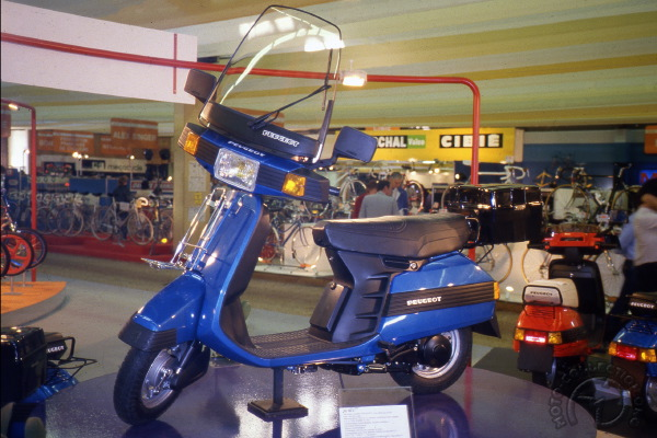 Peugeot SC motocyclette motorrad motorcycle vintage classic classique scooter roller moto scooter