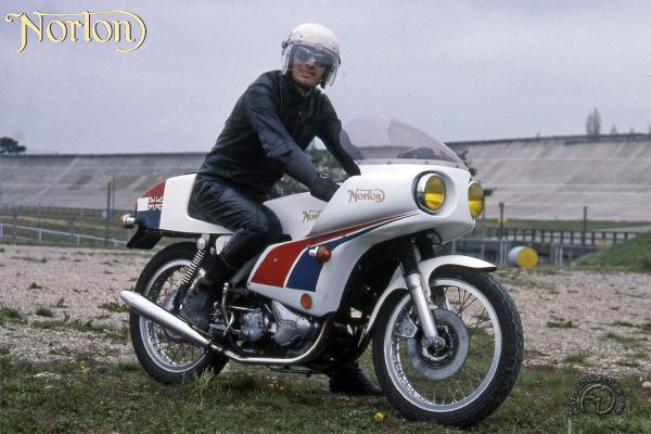 Norton JPN replica motocyclette motorrad motorcycle vintage classic classique scooter roller moto scooter