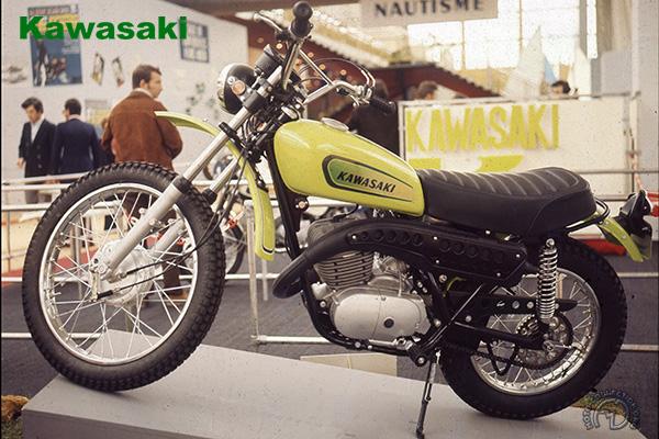 Kawasaki TR & KE (F11 ) motocyclette motorrad motorcycle vintage classic classique scooter roller moto scooter