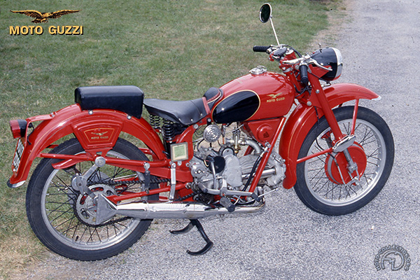 Moto Guzzi Airone   & Airone Sport motocyclette motorrad motorcycle vintage classic classique scooter roller moto scooter