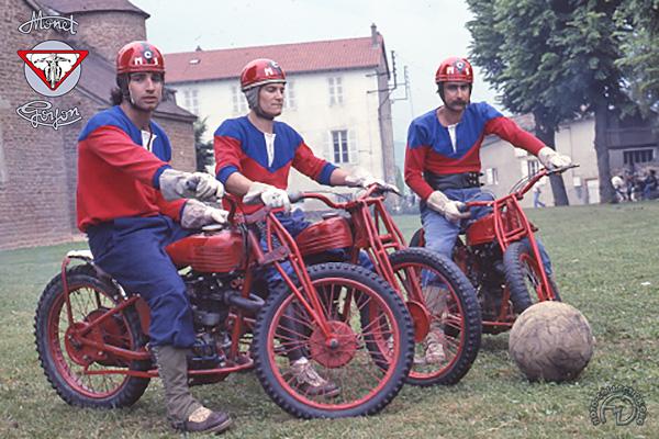 Monet Goyon Motoball dérivée de LS3 motocyclette motorrad motorcycle vintage classic classique scooter roller moto scooter