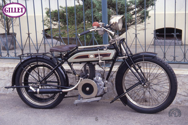 Gillet Herstal Luxe à courroie motocyclette motorrad motorcycle vintage classic classique scooter roller moto scooter