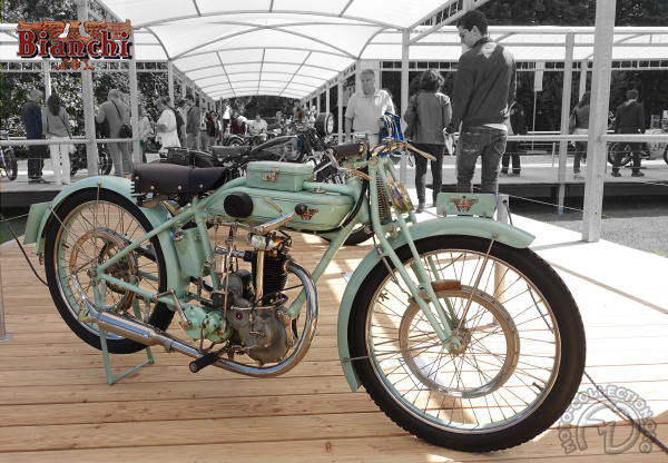 Bianchi Valvole in testa motocyclette motorrad motorcycle vintage classic classique scooter roller moto scooter