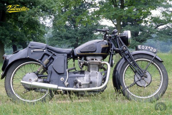 Velocette type O motocyclette motorrad motorcycle vintage classic classique scooter roller moto scooter