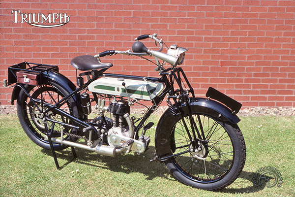Triumph H motocyclette motorrad motorcycle vintage classic classique scooter roller moto scooter