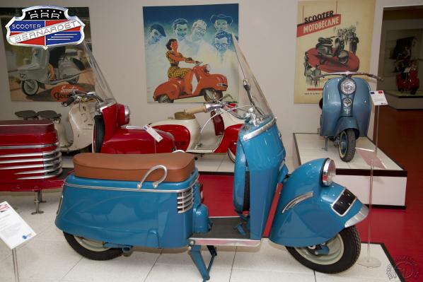 Bernardet B 250 motocyclette motorrad motorcycle vintage classic classique scooter roller moto scooter