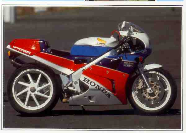 Honda VFR R / RC 30 motocyclette motorrad motorcycle vintage classic classique scooter roller moto scooter