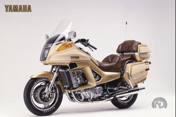 Yamaha XVZ 12 TD Venture motocyclette motorrad motorcycle vintage classic classique scooter roller moto scooter