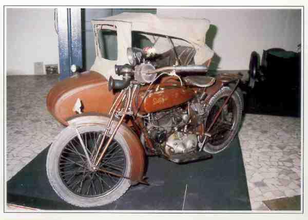 Della Ferrera S 10 HP & side motocyclette motorrad motorcycle vintage classic classique scooter roller moto scooter