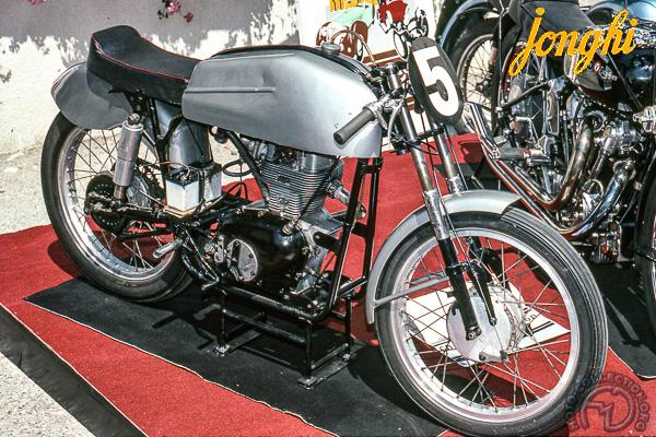 Jonghi D Coursifié motocyclette motorrad motorcycle vintage classic classique scooter roller moto scooter