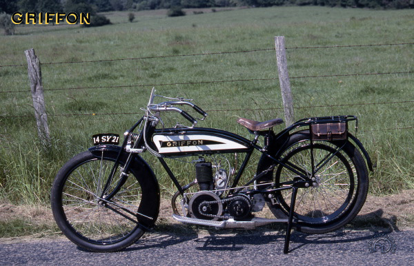 Griffon 3 HP motocyclette motorrad motorcycle vintage classic classique scooter roller moto scooter
