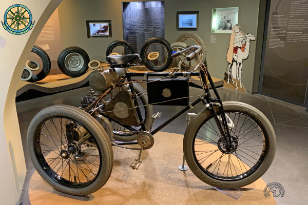 De Dion Bouton Tricycle motocyclette motorrad motorcycle vintage classic classique scooter roller moto scooter