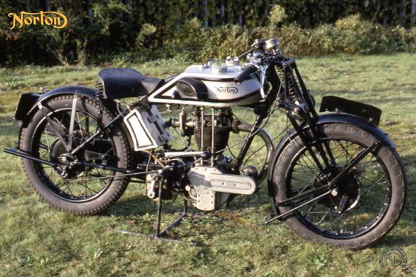 Norton TT 25 motocyclette motorrad motorcycle vintage classic classique scooter roller moto scooter