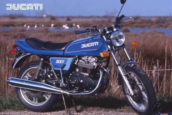 Ducati GTV motocyclette motorrad motorcycle vintage classic classique scooter roller moto scooter