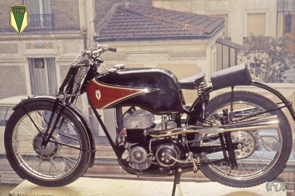 DKW SS Ladepumpe motocyclette motorrad motorcycle vintage classic classique scooter roller moto scooter