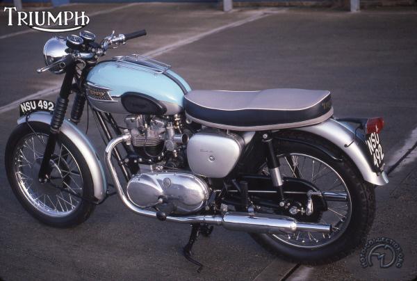 Triumph T 120 R  Bonneville motocyclette motorrad motorcycle vintage classic classique scooter roller moto scooter