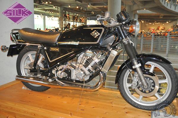 Silk (Scott)  motocyclette motorrad motorcycle vintage classic classique scooter roller moto scooter