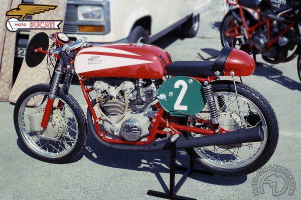 Ducati Bicylindre double ACT motocyclette motorrad motorcycle vintage classic classique scooter roller moto scooter