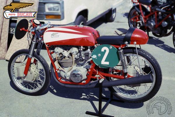 Ducati Twin Villa 1961 motocyclette motorrad motorcycle vintage classic classique scooter roller moto scooter