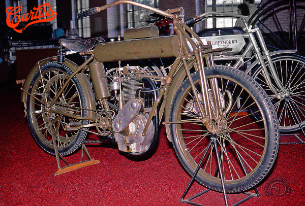 Curtiss 4 1/2 HP motocyclette motorrad motorcycle vintage classic classique scooter roller moto scooter