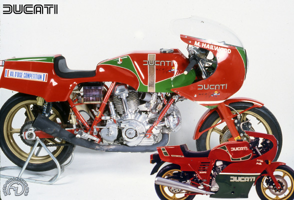Ducati Mike Hailwood replica & NCR racing motocyclette motorrad motorcycle vintage classic classique scooter roller moto scooter
