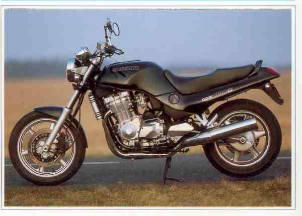 Suzuki GSX G motocyclette motorrad motorcycle vintage classic classique scooter roller moto scooter
