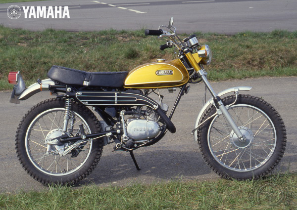 Yamaha AT 1 & AT 1E motocyclette motorrad motorcycle vintage classic classique scooter roller moto scooter