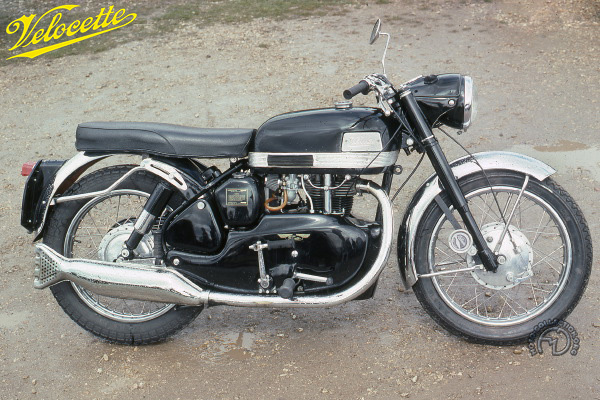 Velocette Venom Sport motocyclette motorrad motorcycle vintage classic classique scooter roller moto scooter