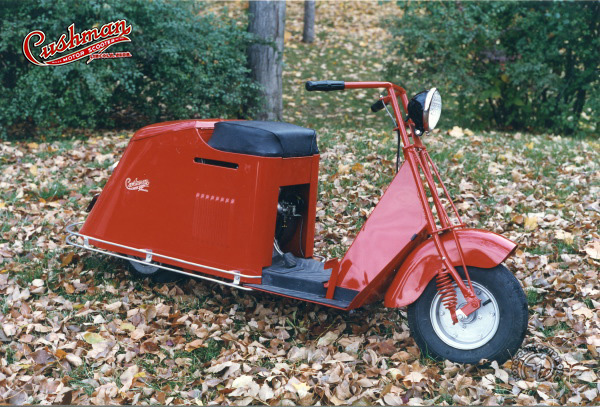 Cushman Auto-Glide model 52 motocyclette motorrad motorcycle vintage classic classique scooter roller moto scooter