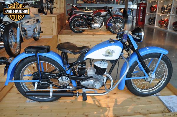 Harley Davidson ST Super Ten motocyclette motorrad motorcycle vintage classic classique scooter roller moto scooter