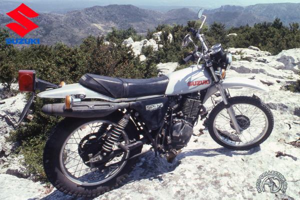 Suzuki SP motocyclette motorrad motorcycle vintage classic classique scooter roller moto scooter
