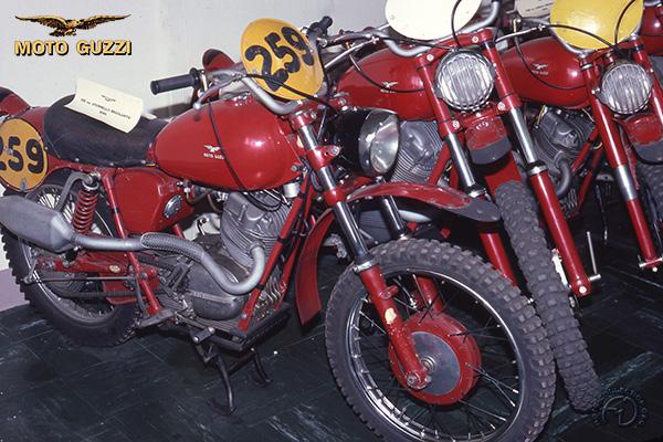 Moto Guzzi Stornello Regolarita motocyclette motorrad motorcycle vintage classic classique scooter roller moto scooter