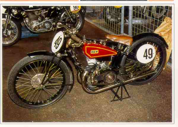 DKW ORe Ladepumpe motocyclette motorrad motorcycle vintage classic classique scooter roller moto scooter