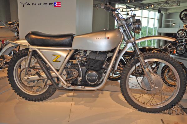 ossa z yankee moto passion moto collection fran ois marie dumas. Black Bedroom Furniture Sets. Home Design Ideas