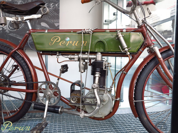 Perun  motocyclette motorrad motorcycle vintage classic classique scooter roller moto scooter