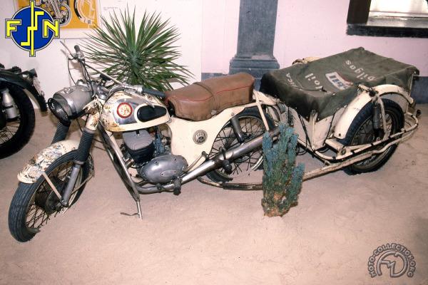 FN M 22 raid BXL - Le Cap  motocyclette motorrad motorcycle vintage classic classique scooter roller moto scooter