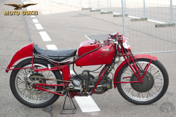 Moto Guzzi Albatros motocyclette motorrad motorcycle vintage classic classique scooter roller moto scooter