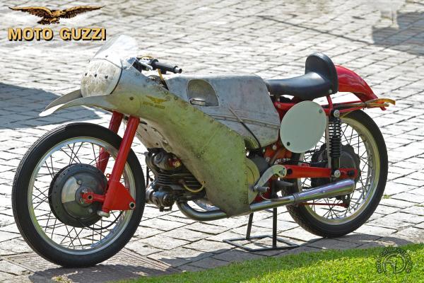 Moto Guzzi  bialbero motocyclette motorrad motorcycle vintage classic classique scooter roller moto scooter