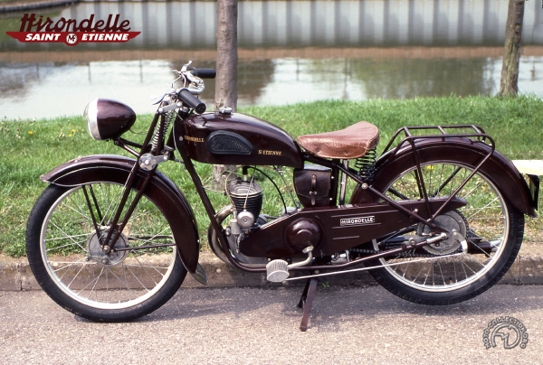 Hirondelle B  motocyclette motorrad motorcycle vintage classic classique scooter roller moto scooter