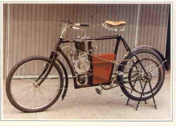 Laurin Klement / Slavia 1,25 hp Model B motocyclette motorrad motorcycle vintage classic classique scooter roller moto scooter