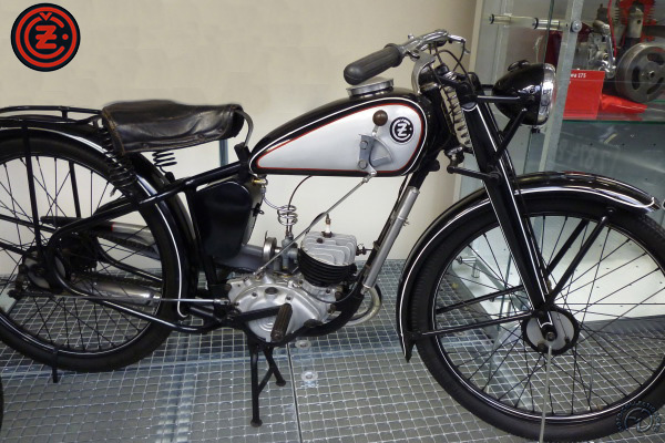 Collection Moto CZ 100 1938-1946